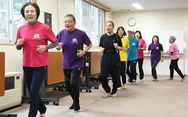 スロージョギング、人気上昇/歩く速さで楽しく走ろう<span>普及に貢献する秋田GSNスロージョギングクラブ</span>